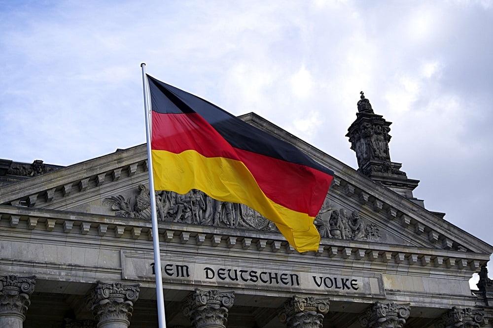 Niemcy: 1/3 obywateli widzi kryptowaluty jako inwestycję